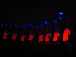 The Legend of Buddha Dancers use UV Light 2