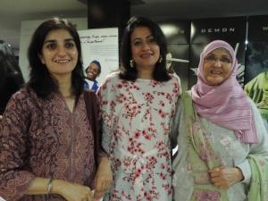 L to R Amreen Qureishi, Aisha Qureishi, Naseem Qureishi