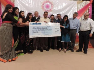 Jalaram Medical Services receives donations from Lohana Ladies Circle