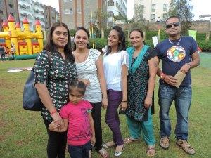L to R Hansa Hirani, Ruhi Hirani, Bhaveshree Halai, Khilna Halai, Radha Halai, Bhimji Halai
